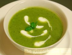 Minty pea soup - a good starter to get your LOs to eat more veg. Baby Food Recipes, Healthy Recipes, Healthy Food, Best Starters, Eating Vegetables, Pea Soup, French Food, Soups And Stews, Favorite Recipes