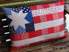 Celebrate the Red, White & Blue – Mini Quilt & Pillow Tutorial Patriotic Quilts, Patriotic Crafts, July Crafts, Patriotic Party, Blue Quilts, Mini Quilts, Quilting Projects, Sewing Projects, Quilting Ideas