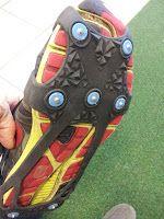 Ha valakinek egy futócipője van, annak sem kell rosszul éreznie magát. A normál futócipőnket téliesíthetjük. Erre találták ki a rögzíthető csúszásgátlót.  A csúszásgátló talpakat fel lehet csatolni a cipőre és a hétköznapi aszfaltos cipőből máris terepcipőt varázsolhatunk.