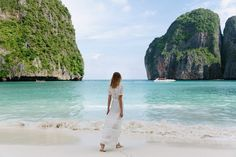 Maya Bay, Ko Phi Phi Lee ..On this bucket list like :P  Whether it's adventure or sunbathing, it's got to be #MayaBay Koh #PhiPhi, Thailand. P.S. Seize the moment! http://phi-phi.com