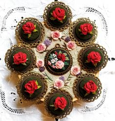 Happy Valentine's day🌹💐💕 via Embroidery Sampler, Silk Ribbon Embroidery, Hand Embroidery, Montreal Botanical Garden, Mini Cupcakes, Happy Valentines Day, Making Ideas, Needlework, Diy And Crafts