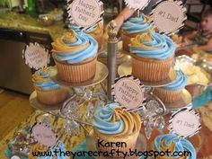 They Are Crafty: Fathers Day Party- fun cupcakes with double colored frosting!!