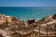 Falésia, una de las playas más bonitas del #Algarve - via Naturaleza y Viajes 22.08.2016 | Os voy a hablar de un trocito del enorme arenal de Falésia, concretamente de la playa Falesia - Açoteias, una praia del municipio de Albufeira que se extiende entre Olhos de Água y Vilamoura y que está considerada como una de las mejores playas de Portugal.