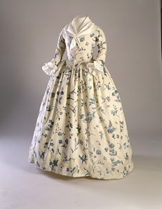 1780s Printed Linen Gown-Open Robe-1998.5875 -- Historic New England