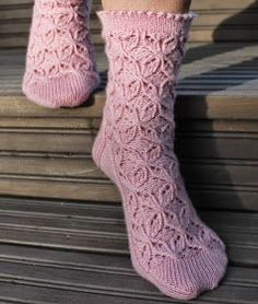Diy Crochet And Knitting, Knitting Socks, Knitting Patterns Free, Crochet Clothes, Diy Clothes, Hand Knitting, Knit Socks, Art Boots, Cozy Socks