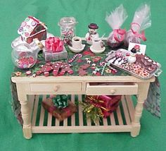 christmas dollhouse pictures   ... christmas items from the the style of doll house also matters a