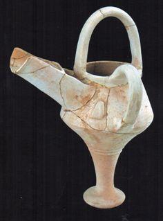 Hititte, spouted pitcher, Kültepe (Tahsin Özgüç) (Erdinç Bakla archive) Bronze Age, Teapot, Archaeology, Jars, Medieval, The Past, Turkey, Pottery, Ceramics