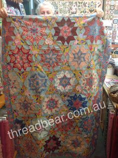 Threadbear: Threadbear's Passionate Piecers. Vera's quilt - wow!