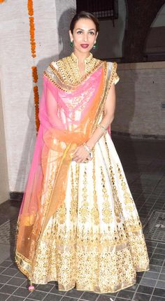 Malaika Arora Khan in a stunning traditional avatar at Soha Ali Khan, Kunal Khemu's wedding reception. #Bollywood #Fashion #Style #Beauty