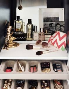 Tips for Organizing our Beauty Products: Designate a little corner for all of your beauty products. Add pretty perfume bottles, a makeup bag, and a few photos for your own makeshift vanity. GlitterGuide