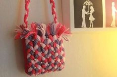 How to Make A Purse Using Yarn! « Architecture Planet