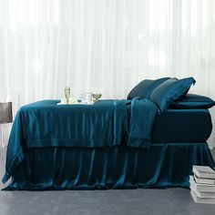 Places To Buy Bedding Sets Teal Bedding, Silk Bedding, Black Bedding, Silk Bed Sheets, Flat Sheets, Luxury Bedding Sets, Bed Sheet Sets, Modern Bedroom, Modern Bedding