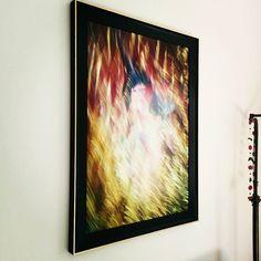Cornice personalizzata per questa nuova opera di Martin Charlemont.  #cornice #oro #nero #luce #colori #arte #artigianale #pictureframes #photo #colors #fineartphotography #creative #contemporaryart