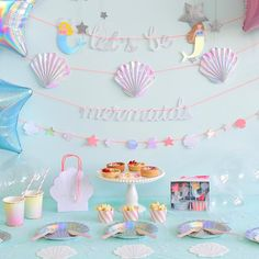 The mermaid garland gives the finishing touch to the collection by Meri Meri. Let's be mermaids! Shop the collection: www.partydeco.nl/kinderfeestje/meisjes/let-s-be-mermaids