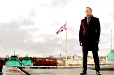 New favorite picture!   'Skyfall': Preview Of New James Bond Film Starring Daniel Craig (PHOTOS)