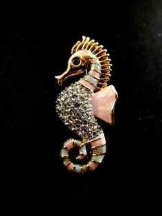 Gorgeous seahorse brooch 1960 Italian - enamel pink & gray, small white crystals -Art.34-