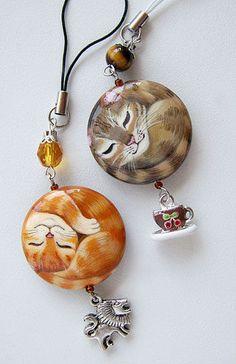 Acrylic painted kitty cat beads pendant jewelry making idea