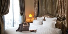 Hôtel Athénée Paris: The 20 guestrooms were inspired by various operas and each features tapestry wall hangings.