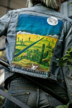 Painted Desert Jacket by LivingroomCompany on Etsy - Jeans Jacket - Ideas of Jeans Jacket - Painted Desert Jacket by LivingroomCompany on Etsy Fall Fashion Trends, Diy Fashion, Ideias Fashion, Painted Jeans, Painted Clothes, Hand Painted, Diy Clothing, Custom Clothes, Denim Art