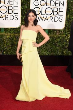 Jenna Dewan-Tatum apostou em um Carolina Herrera amarelo, fluído