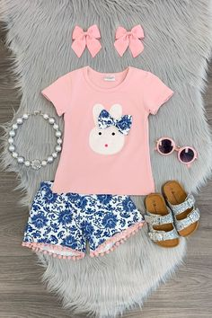 Shop cute kids clothes and accessories at Sparkle In Pink! With our variety of kids dresses, mommy + me clothes, and complete kids outfits, your child is going to love Sparkle In Pink! Little Girl Outfits, Cute Outfits For Kids, Toddler Girl Outfits, Little Girl Fashion, Toddler Fashion, Kids Fashion, Style Fashion, Usa Girls, Girls Wardrobe