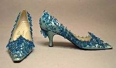 Evening shoes Design House: House of Dior (French, founded Designer: Roger Vivier (French, 1960 Silk, leather, glass Dior Shoes, Balenciaga Shoes, Valentino Shoes, Chanel Shoes, Christian Dior, Vintage Mode, Vintage Shoes, Vintage Closet, Zapatos Shoes