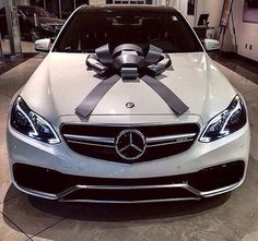 I am in love with Mercedes Benz automobiles. Ever since I used to be little I all the time had an eye fixed for Mercedes, I believe they're so luxurious. I am hoping sooner or later I can reward myself with a automobile like this. Bmw, Audi, Fancy Cars, Cool Cars, Dream Cars, Porsche 918 Spyder, Carl Benz, Mercedes Benz G, Mercedes Wheels