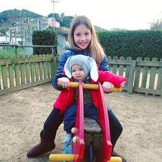 A jugar al parque con la prima  #parque #park #familia #happy #feliz #primos #family #família #cousins #losquiero #instamoment #losamo #guapos #lindos #cousin #losmejores #agusto #tbt #risas