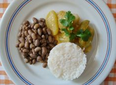 Quando eu era criança, em Pernambuco onde nasci, maxixe, quiabo e chuchu eram sempre adicionados dentro do feijão e dos cozidos de carne. Esta receita tem o maxixe como principal ingrediente, uma d…