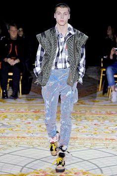 Vivienne Westwood Fall-Winter 2017 - Paris Fashion Week