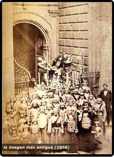 La imagen mas antigua 1868  MÁLAGA Religious Art, Old Pictures, Religion, City, Bella, Statues, Holiday, Painting, Dreams