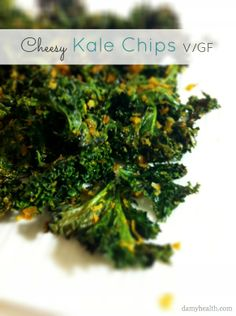 These are so yummy and so easy to make! Nutritional Yeast Kale Chips large bunch kale, 1 tbsp olive oil spray OR regular, cup nutritional yeast, and sea salt) Clean Eating Recipes, Raw Food Recipes, Vegetarian Recipes, Vegan Vegetarian, Healthy Recipes, Paleo, Healthy Chips, Healthy Snacks, Healthy Eating