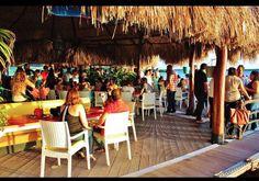 Friday happy hour | Courtesy of Arubaville