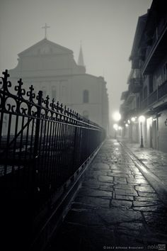 The photo of Pirate's Alley in New Orleans French Quarter is how it looks when Rita is headed home from partying. Mardi Gras, New Orleans French Quarter, New Orleans Travel, New Orleans Louisiana, Crescent City, Kirchen, France, Places To See, Beautiful Places