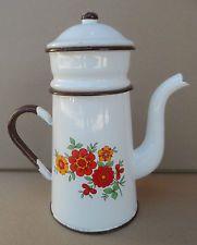 antiquité ancienne cafetière émaillée à étage filtre  vintage voir les 5 photos Enamel Ware, Vintage Enamelware, Granite, Tea Pots, Retro, Tableware, Floral, Photos, Collection