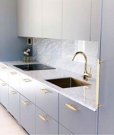 27 Modern Kitchen Interior Design That You Have to Try Modern Kitchen Interiors, Luxury Kitchen Design, Kitchen Room Design, Home Decor Kitchen, Interior Design Kitchen, Home Kitchens, Kitchen Ideas, Kitchen Office, Gold Kitchen