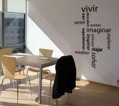 <p>Algunos de los vinilos decorativos de la tienda online de decoración de pared Moods invitan al positivismo y a las buenas energías. Se tratan de vinilos decorativos con frases o textos que nos proponen una actitud alegre hacia la vida. Un ejemplo de éstos lo encontramos en el nuevo vinilo …</p>