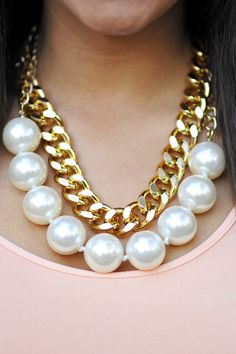 Perfectly Preppy Necklace: Pearl/Gold