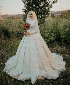 Muslim Wedding Gown, Muslimah Wedding Dress, Muslim Wedding Dresses, Muslim Brides, Wedding Hijab, Elegant Wedding Dress, White Wedding Dresses, Wedding Gowns, Bridal Hijab