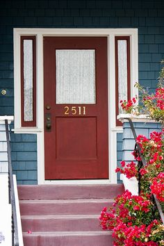 ideas for house exterior colors blue teal door House Paint Exterior, Exterior House Colors, Cottage Exterior, Front Doors With Windows, Red Doors, House Windows, Teal Door, Blue Siding, House Entrance