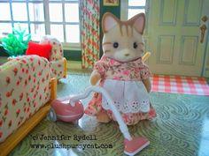 Plushpussycat: Sylvanian Families Vintage Tin Litho Dollhouse!