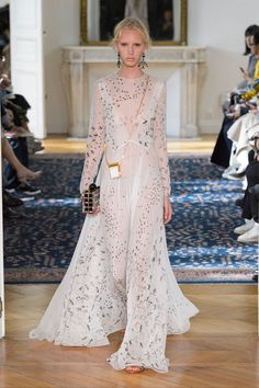 Bridal Party Airy whites, blanc florals and intricatelace add up to the sort of other-worldlyethereal gowns that brides may dream about, but are made forpretty-lovingparty-goers everywhere.