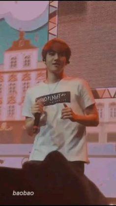 Exo Chanbaek, Baekhyun Chanyeol, Exo Dancing King, Daily Exo, Rap Song Lyrics, Exo Music, Exo Songs, Exo Lockscreen, Exo Memes