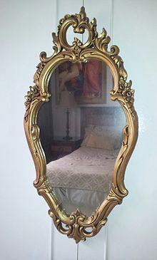 Italian Baroque Mirror - Rococo - Wikipedia, the free encyclopedia Classic Consoles, Baroque Mirror, Pastel Bedroom, Italian Baroque, Asymmetrical Design, Handmade Furniture, Wood Furniture, Classic Furniture, Viera