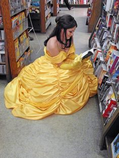 A Stitch in Time: Belle is finished! Belle's dress part 2