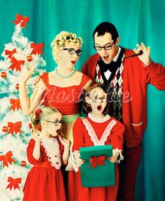 Next year I'd like to do a retro inspired Christmas card like this :-)