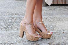 Hoy @GloriaGdLeon propone un look fresco y elegante con sandalias de @MARYPAZ Shoes