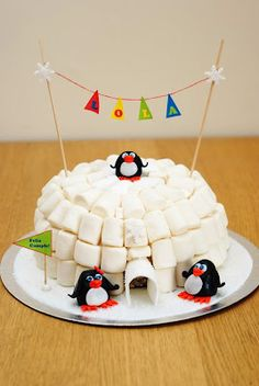 Igloo Cake... for Club Penguin party - display penguin name on the little banner
