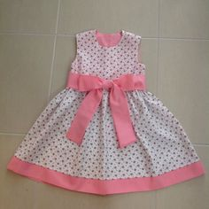 Roupa de bebês Little Girl Dress Patterns, Baby Girl Dress Patterns, Little Girl Outfits, Kids Outfits Girls, Toddler Girl Dresses, Baby Girl Frocks, Kids Gown, Kids Frocks Design, Sewing Kids Clothes