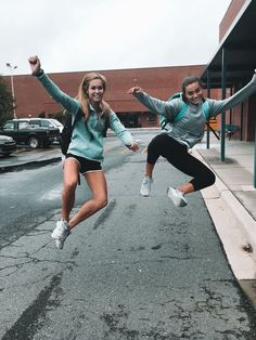 Trendy Ideas for photography friends bff outfit Photos Bff, Best Friend Photos, Best Friend Goals, My Best Friend, Bff Pics, Cute Friend Pictures, Cute Bestfriend Pictures, Volleyball Pictures, Best Friend Photography